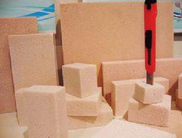 Пеностекло режется без пыли обычным строительным ножом